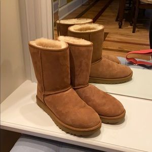 LIGHT BROWN UGG BOOTS-WORN ONCEperfect chistmas!